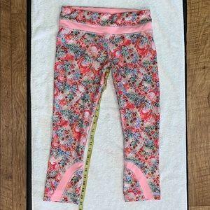 """Lululemon Flowabunga """"21 Crop Pants 6"""
